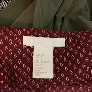 H&M Tops - H&M Burgundy Blouse with short sleeves